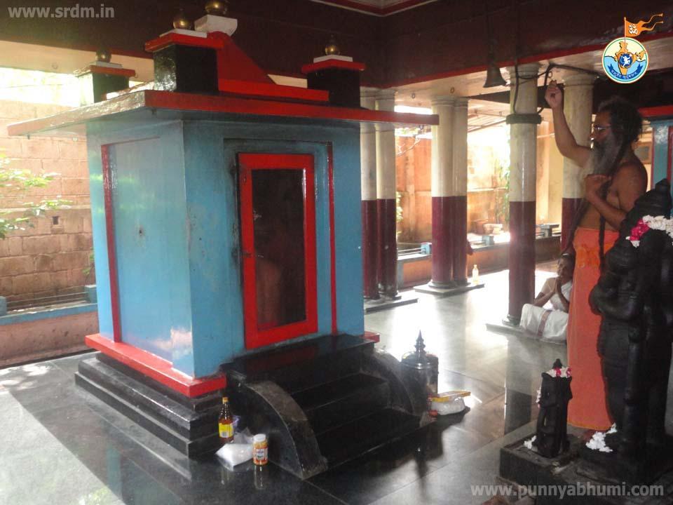 08-Guru Swami Mahasamadhi Varshikom-Mahasamadhi-Pooja-06